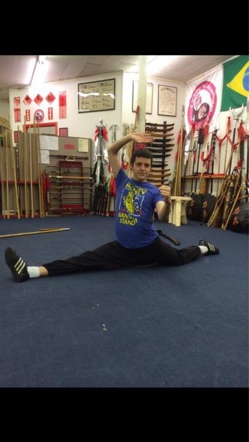 Nate G doing splits